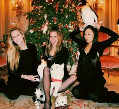 Lana Del Rey with sister Chuck Grant and friend Naomi Shon