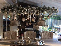 Foto: Kerst tak boven de eettafel, nog mooier als vorig jaar ieder jaar beetje anders Erg leuk om te doen . Geplaatst door Binkyjef op Welke.nl