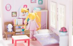 Premium Bandai is releasing a doll house of Usagi's bedroom! It comes with details from the Sailor Moon anime like Usagi's piggy bank & bunny blanket! Sailor Moon Toys, Sailor Moon Usagi, Sailor Moon Art, Sailor Moon Crystal, Sailor Moon Collectibles, Sailor Moon Merchandise, Bunny Blanket, Sailor Moon Aesthetic, Anime Figurines