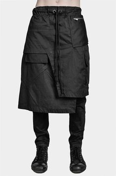 In Fashion Mens Shoes Fashion Poses, Skirt Fashion, How To Make Skirt, How To Wear, Skirt Outfits, Cool Outfits, Men Wearing Skirts, Rare Clothing, Man Skirt