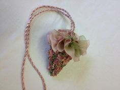 Kit: Rose Scissor Keeper – Rose Blush - Helen Eriksson - Creative Embroidery