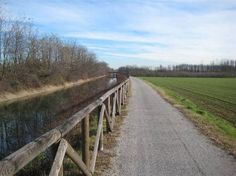 Canale Villoresi #Bike#inLombardia http://www.in-lombardia.it/