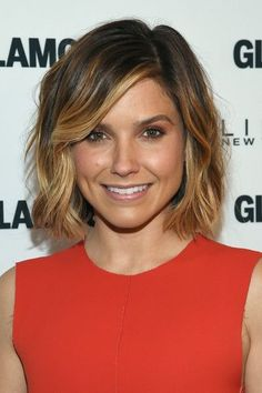 Sophia Bush Photos Photos - Glamour Hosts & Power of an Educated Girl& with First Lady Michelle Obama - Zimbio 2015 Hairstyles, Pretty Hairstyles, Sophia Bush Hairstyles, Hair Styles 2016, Short Hair Styles, Hair Color Ideas For Brunettes Short, Celebrity Short Hair, Hair Highlights, Color Highlights