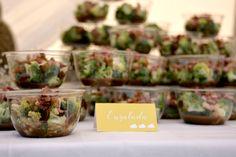 BAUTIZO TRIPLE FIESTA MINT Y AMARILLO enslada de brócoli - Hello Eventos