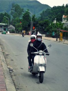 A random pic of my Vespa and I on the way :D