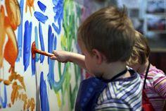 Pintar amb pintura infantil
