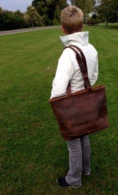 17 bästa bilderna på Väskor vi gillar   Väskor, Läder och