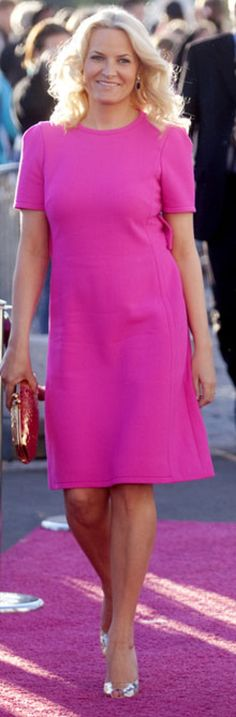 .Mette Marit in pink On Wednesday we Wear Pink ... for the Cure! Fresh Fash!!