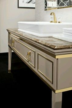 Off the Wall or on the Wall Choosing the Right Bathroom Cabinets for Your Bathroom - Zimmereinrichtung Small Bathroom, Boho Bathroom, Modern Bathroom, Master Bathroom, Bathroom Niche, Neutral Bathroom, Luxury Bath, Design Your Home, Luxury Decor