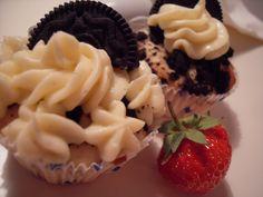 Diese Cupcakes waren Teil des riesigen Cupcake-Buffets, das ich anlässlich meines Abschieds am Ende meiner Ausbildung für meine Kollegen ...