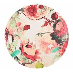 Den underbara Anemone bricka är designad av Tess Jacobson för det svenska varumärket Mairo. Brickan är tillverkad i finsk laminerad björk och har ett vackert handmålat akvarellmönster fyllt med exotiska blommor i olika former och storlekar. Använd brickan när du serverar kaffe eller te och låt den även bli en fin inredningsdetalj i köket! Välj mellan olika färger.
