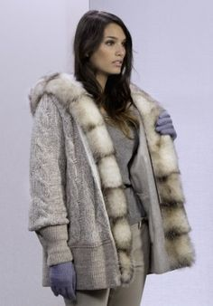 Coat - wool/fur BUY IT NOW ON www.dezzy.it!
