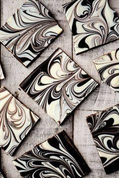Tablette chocolat noir et chocolat blanc