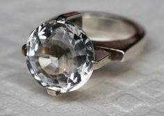 Ring i sterling sølv, med stor bergkrystall. Vintage