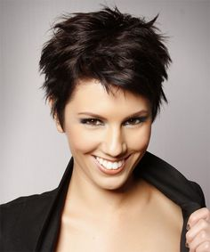 top short pixie hairstyle for women's