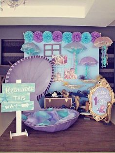 Mermaid Party – Decoration Ideas for the Mermaids Kids Birthday // Birthday Little Mermaid Birthday Party More - Mermaid Theme Birthday, Little Mermaid Birthday, Little Mermaid Parties, Mermaid Birthday Party Decorations Diy, Pirate Birthday, Pirate Party, Festa Party, 1st Birthday Parties, Birthday Ideas