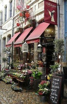Flowers Shop Display Ana Rosa Ideas For 2019 Lille France, Paris France, Le Jolie, Shop Fronts, Garden Shop, Shop Interior Design, Design Shop, Amazing Flowers, Simple Flowers