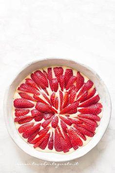 Torta soffice alle fragole - Torta morbida alle fragole - Ricetta