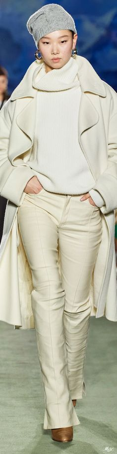 Fall 2020 RTW Brandon Maxwell Source by fashionshow Catwalk Fashion, All Fashion, Couture Fashion, Winter Fashion, Fashion Show, Fashion Design, Fashion Brands, Fashion Ideas, Womens Fashion