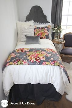 Custom dorm bedding packages from Cute dorm room bedding sets complete with throw pillows, duvet cover, bed skirt, headboard and more. All twin xl bedding sets are great dorm room ideas for you! College Bedding Sets, Dorm Bedding Sets, Best Bedding Sets, Red Bedding, Luxury Bedding Sets, Comforter Sets, Girl Bedding, Floral Bedding, Dorm Room Comforters