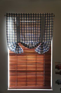 The Modern Housewife: DIY Curtains