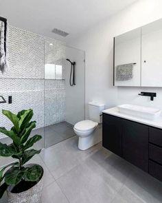 44 creative tiny house bathroom remodel ideas to make it look larger 27 - Großes Bad - Bathroom Decor Ensuite Bathrooms, Tiny House Bathroom, Laundry In Bathroom, Bathroom Renovations, Home Remodeling, Master Bathroom, Bathroom Showers, Small Bathrooms, Bathroom Black