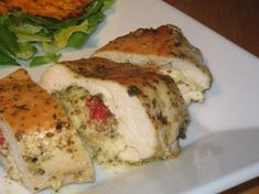 Pesto-Mozzarella Stuffed Chicken Breasts Recipe from Charlene! Mozzarella Chicken, Pesto Chicken, Breast Recipe, Stuffed Chicken, Yummy Food, Yummy Yummy, Yummy Lunch, Delicious Dishes, Yummy Eats
