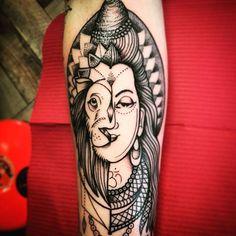 Quiero tatuarme a shiva... No no quiero mejor un leon... bueno acá este diseño para mayra, gracias por la confianza de siempre! Y gracias por el regalito para astor  mitad shiva mitad León.... tempranito hoy por la mañana en TIME TATTOO olavarria 2831 entre Garay y castelli. Los espero! #shivatattoo #liontattoo #dotwork #inkpeople #ink #tattoomardelplata #tattoo #tinitattoo #timetattoostudio #armtattoo #spiritualtattoo #lovetattoo