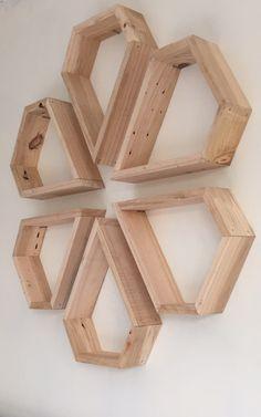 metal barn homes Home Decor Furniture, Furniture Decor, Diy Home Decor, Diy Wood Projects, Wood Crafts, Decoration Palette, Palette Deco, Metal Barn Homes, Art Mural