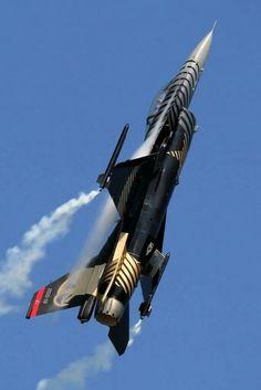 Turkish F-16 Soloturk