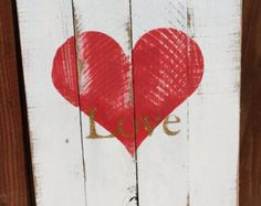 Rustic Pallet Heart Sign