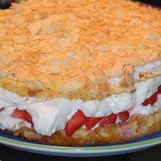 Maulwurfkuchen vom Blech - ein Tassenrezept - Rezepte des Tages Avocado, Pie, Pasta, Desserts, Food, Bakery Recipes, Grandma Cake, Torte, Tailgate Desserts