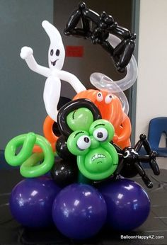 Cute balloon centerpiece for your Halloween decorations.