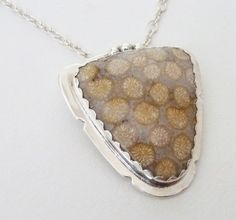 Fossilized Coral Pendant Fossilized Coral, Polymer Clay, Coin Purse, Purses, Pendant, Crafts, Fossils, Handmade Jewelry, Fancy