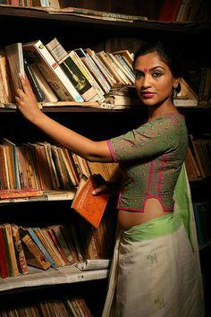 Five Best Saree Blouse Designs – Fashion Asia Blouse Back Neck Designs, Sari Blouse Designs, Fancy Blouse Designs, Choli Designs, Kurta Designs, Blouse Styles, Stylish Blouse Design, Beautiful Blouses, Sarees