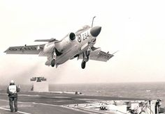 Hawker Siddeley Buccanner 801 Sqn HMS Victorious on a 'go around' Navy Aircraft, Military Aircraft, Blackburn Buccaneer, Naval Aviator, British Aerospace, Navy Carriers, Flying Vehicles, Aviation Image, Aircraft Design