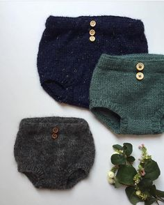 Elinor's Bloomers pattern by PetiteKnit : Ravelry: Elinor's Bloomers pattern … – stricken einfach kinder Knitting For Kids, Baby Knitting, Crochet Baby, Knit Crochet, Baby & Toddler Clothing, Toddler Outfits, Kids Outfits, Toddler Girls, Knit Baby Pants