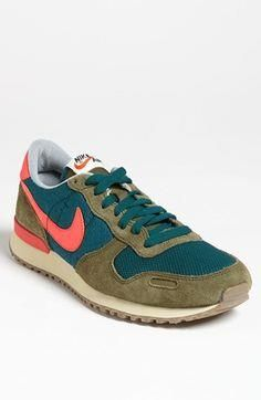 The latest men's fashion including the best basics, classics, stylish eveningwear and casual street style looks. Shop men's clothing for every occasion online Girls Sneakers, Casual Sneakers, Shoes Sneakers, Nike Shoes Cheap, Nike Shoes Outlet, Cheap Nike, Nike Sportwear, Nike Air, Vintage Sneakers