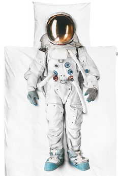 I need this Astronaut bedsheet for my son. This is awesome.