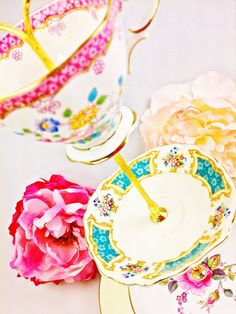 Le Petit Pretties Presents: The Melodie Vintage High Tea Dessert Stand