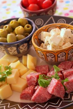 If you are looking for inspiration for quick and easy starter recipes, what about making a Mediterranean tapas platter? Tapas are great to nibble on and make a colourful and attractive starter recipe. For the best tapas recipe, choose a couple of different contrasting cheeses, some chorizo or salami, cherry tomatoes and olives.