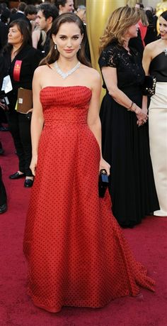 Natalie Portman manages to look both sexy and demure in vintage Christian Dior.