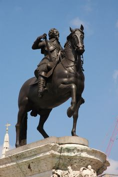 Equestrian statue of Charles I - Charing Cross, London. Date 1633. Designed by…