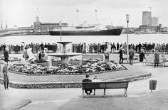 here is an old photo I found thought you might like to see its a sight not to be seen anymore of the royal yacht brittania sails out of Portsmouth here in England , going past Gosport ferry gardens in the background the victory has a full mast up unlike today which is under renovation at the moment.. Portsmouth England, Stevenage, Isle Of Wight, Beautiful Places To Visit, Back In The Day, Hampshire, Archaeology, Old Photos, Childhood Memories