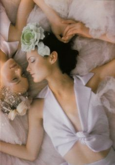 Amber Valletta and Shalom Harlow photographed by Nick Knight for Vogue UK May 1995