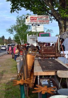 This week marked my first-ever trip to the Brimfield Antique Show, the largest outdoor antique market in the world. With 20-plus fields and thousands of vendors, even a skilled bargain hunter like myself could use help from a veteran to navigate the six-day market. Here are eight tips for scoring deals and shopping outdoor shows like a pro.