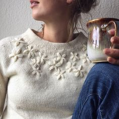 Sweater weather calls for an inspiring and fun Upcycle idea with Monochrome Hand Embroidered flowers. Embroidery On Clothes, Simple Embroidery, Embroidered Clothes, Hand Embroidery Designs, Embroidery Art, Embroidery Patterns, Knitting Patterns, Sweater Embroidery, Embroidery Suits