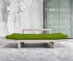 Futonsofa Tokachi auch aus massivem Buchenholz erhältlich. Sofa im Scandi Look vereint Gestell, Futon und Rückenkissen  #scandi #japan #futonsofa #sofabed Scandi Chic, Lounge, Couch, Japan, Furniture, Home Decor, Chair, Minimalist Design, Pillows