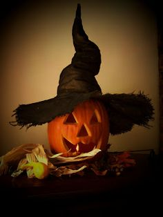 Iron Oak Farm: Halloween DIY witch hat