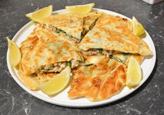 Mince and Feta Gozleme (Savory Turkish Flatbread pastry) Tortilla Pizza, Spanakopita, What To Cook, Crepes, Feta, Brunch, Lunch Ideas, Dinner Ideas, Dishes